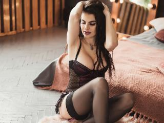 SmileNightSky - Webcam live hot with a charcoal hair Hot lady