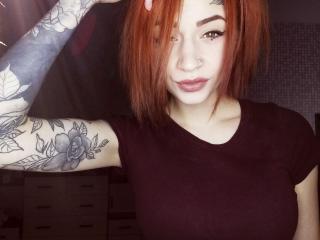 Photo de profil sexy du modèle LaurenHyper, pour un live show webcam très hot !