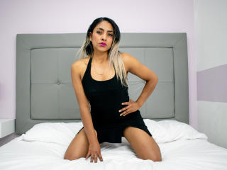 תמונת פרופיל סקסית של KarimeSandleer למופע חי מאוד סקסי!