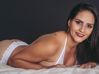 BabeIsabelleX - Web cam hot with this charcoal hair Hot chicks
