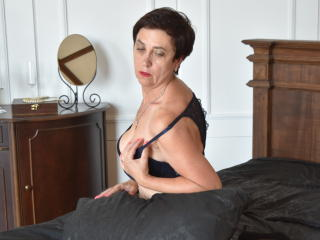 Picture of the sexy profile of MargaretMature, for a very hot webcam live show !