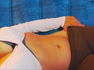 Photo de profil sexy du modèle HalleyBB, pour un live show webcam très hot !
