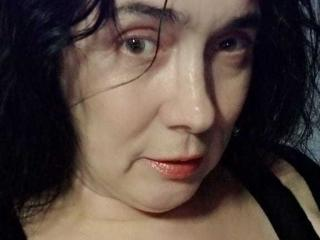 RositaSky - Chat live exciting with a White Sexy mother
