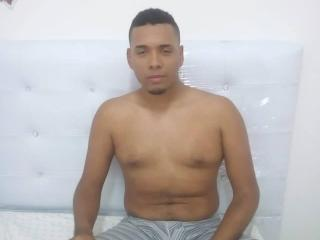 AngeloLove - Web cam hard avec un Couple Gay sur le service XLovegay