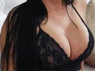 LovelyVenus - Show live hard with this dark hair MILF