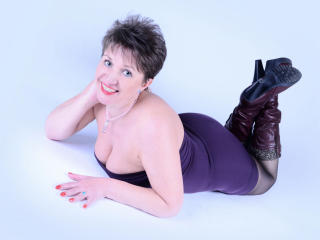 Sexet profilfoto af model DoraBlueEyess, til meget hot live show webcam!