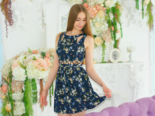 GhostGlimmer - Chat live sexy with a average constitution Hot babe