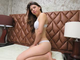 Picture of the sexy profile of YuyisX, for a very hot webcam live show !