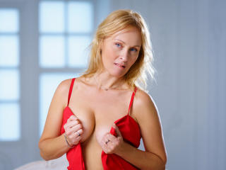 NatalySun - online show hot with a fair hair Mature