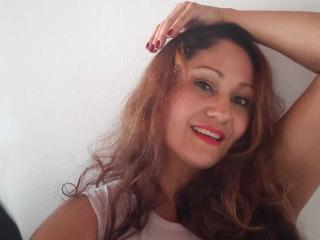 VictoriaGomez - Webcam hard with this fit physique Mature
