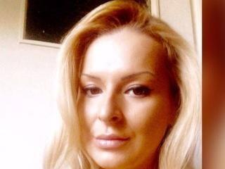 Hình ảnh đại diện sexy của người mẫu TwoBlondeGirls để phục vụ một show webcam trực tuyến vô cùng nóng bỏng!