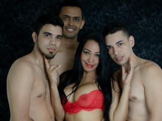 AmeliaGngBng - Chat live sex with a Group of four