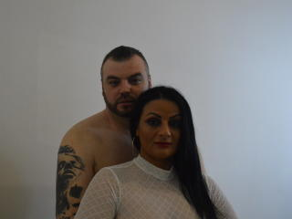 Picture of the sexy profile of LovingCouple69, for a very hot webcam live show !