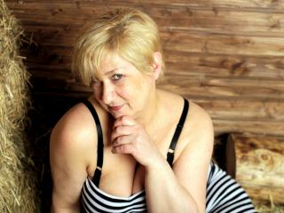SexyNatasha - chat online sex with a platinum hair Hot chick