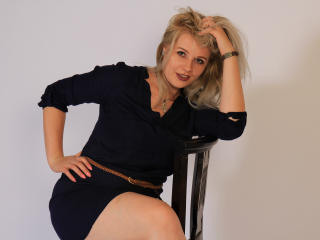 Photo de profil sexy du modèle JessycaHottie, pour un live show webcam très hot !