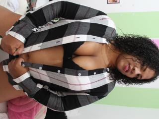 PamellaHorny - Show hot with this latin american Young and sexy lady
