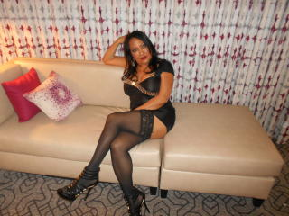 Photo de profil sexy du modèle SpicyMandyX, pour un live show webcam très hot !